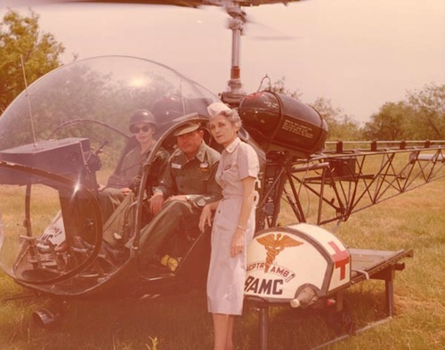 4-Army-Nurse-with-Helicopter-Ambulance-Crew